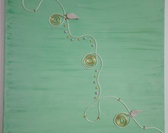Green paint with water/white wire satin gold tone / clay