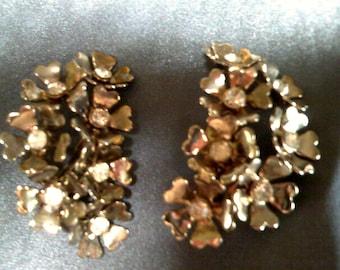 Vintage silvery floral earrings