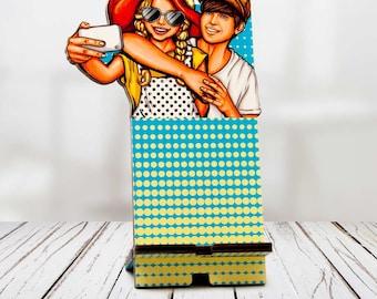 Wooden smartphone stand – Selfie