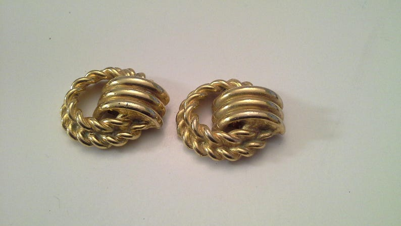 Shoe Accessories for Pumps High Heels or Flats Doorknocker Round Twisted Link Charms Vintage Gold Shoe Clips