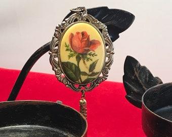Vintage Oval Necklace Pendant Rose
