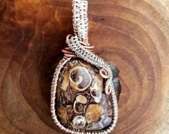 Fossile (Turritella) Copper & Silver Wire-Wrapped Pendant