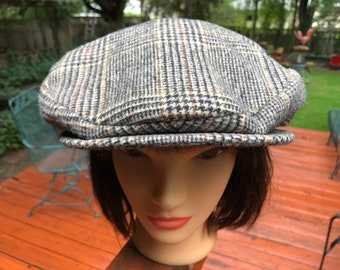 c3ff2902f0b Plaid Wool Newsboy Cap in Mint Condition Vintage Winter Driving Hat Retro  Style Boho Bohemian Country Gentleman Imported British Fabrics Hat