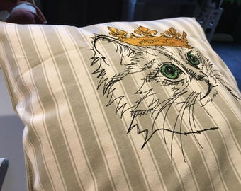 """Embroidered Pillow cover """"crowned cat"""""""