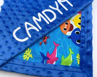 Personalized Baby Shark Blanket l Frame Style Border l Gift l Embroidery l Baby Shark Family l Baby Shower Gift l Cotton and Minky Blanket