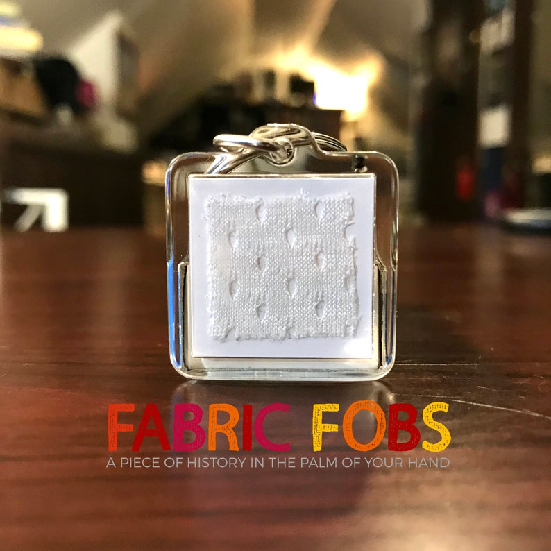 huge selection of 50925 ec5f2 Brett Favre Game Used Jersey Relic Keychain - Green Bay Packers - Lambeau  Field - NFL - Fabric Fobs - Game Worn by Favre!