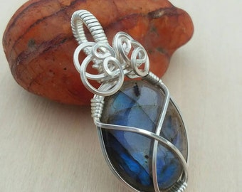 Handmade wire wrapped labradorite pendant