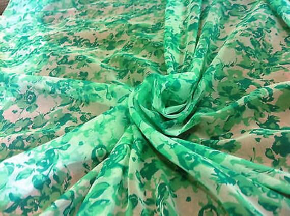 *NEW* Light Floaty chiffon Orange//White Geometric Print Dress Fabric*FREE P/&P*