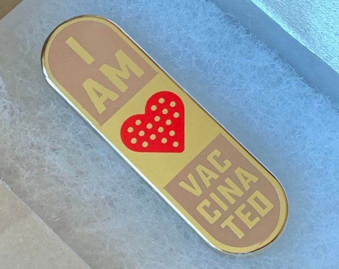 """[PRE-ORDER] """"I'm Vaccinated!"""" Pin - Band Aid Heart Edition"""