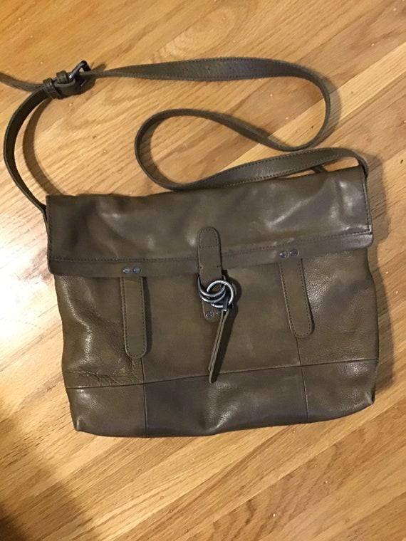 b0f71d86b3c2 Lucky Brand leather crossbody messenger bag EUC