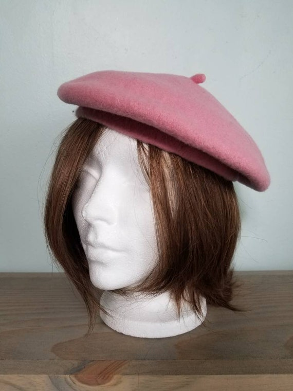 Classic and sweet. Beautiful pink wool beret. Oui,