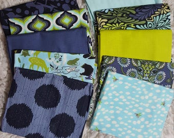 Bundle of 10 Fat quarter in shades of blue/green/white