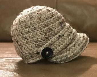 READY TO SHIP-Crochet Newborn Newsboy Hat in beige, Baby, Hat, Photo prop, baby gift, shower gift, newsboy hat, Infant, neutral