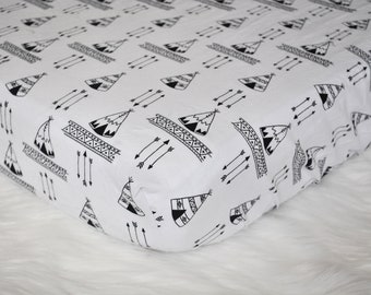 Teepee black and white  - Fitted Crib/Toddler Sheet - Bohemian - Boho