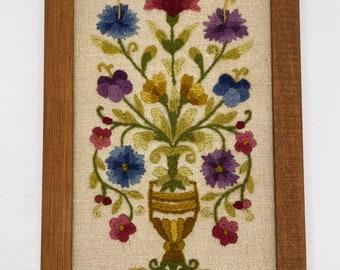 Vintage Floral Peace /& Plenty Crewel Finished and Framed