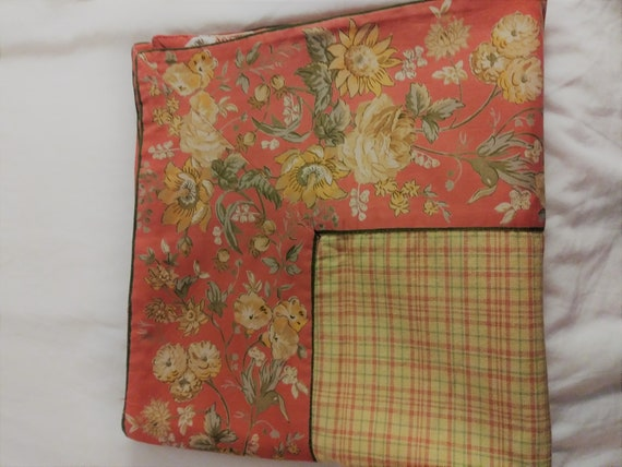 April Cornell 51 square table cloth