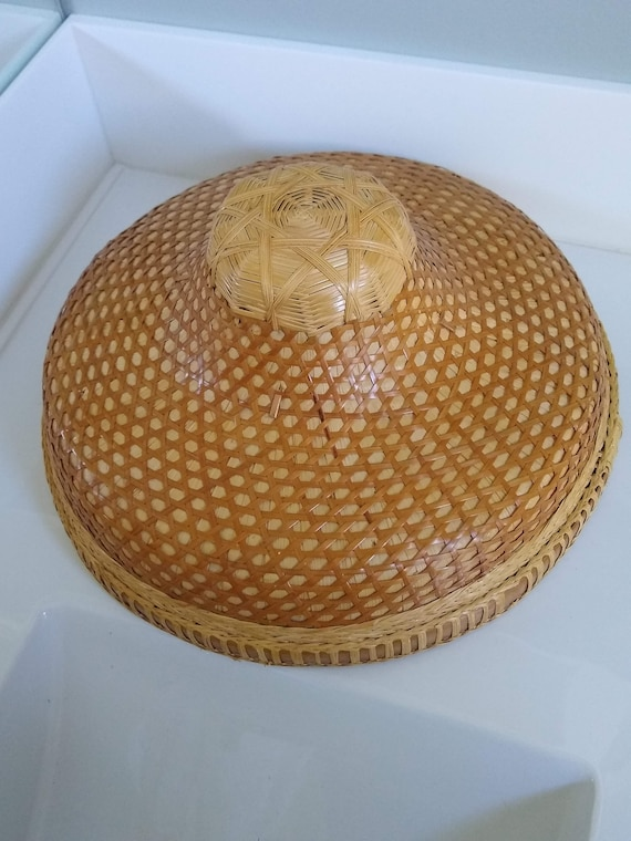 Vintage Asian Woven Hat, Rice Paddy Hat, Coolie Ha
