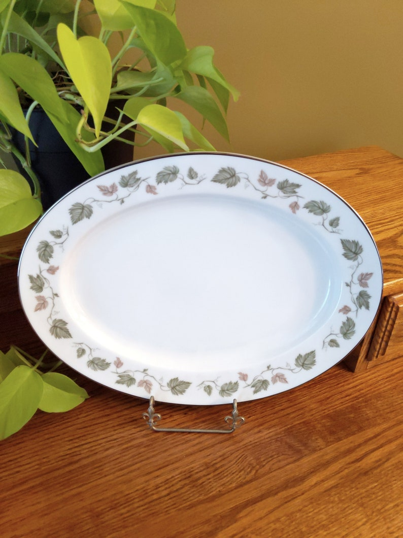 Set of 5 Pieces-Pinks and Blues Vintage Mismatched Floral China Berry BowlsSaucers