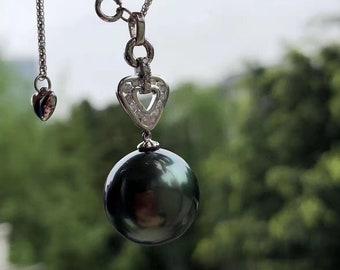 18k White Diamond Pearl Necklace