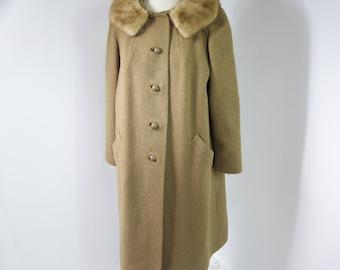 Vintage 50s/60s Tan Beige Women's Winter Coat Mink Collar Side pockets Boucle Wool L