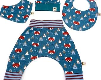 Set handmade baby 4 pieces (pants, bib, bandana and hat) model petroleo foxes