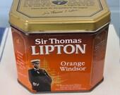 Vintage Sir Thomas Lipton French Tea tin Retro design Excellent condition Collectible Easy open and close Ideal gift