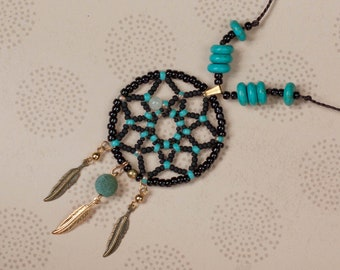 Dreamcatcher beads pendant, Native american style jewelry, 2 colours available, Gold black blue silver green, Boho hippie, Feathers pendant