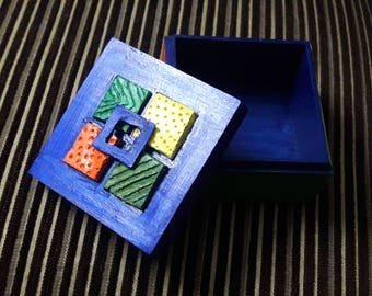 Blue square box