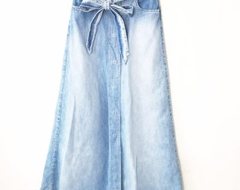ecf6ab4515696 1990s Vintage Valentino Womens Denim Maxi Skirt Full Button Front Belted  Prairie Skirt Light Wash size 4