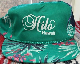 07506e76e00 Vintage 80s HILO HAWAII Green Floral Snapback Trucker Hat Colorful. €22.75  · vtg 80s FATHER Of The GROOM Black Braided Snapback Trucker Hat Ironic