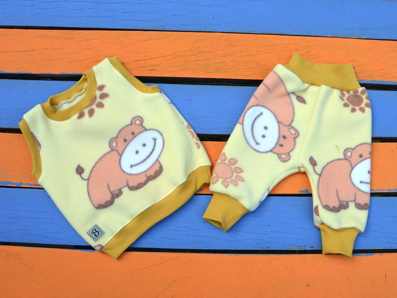 Newborn to 4years baby set clothes for winter,set clothes of fleece for baby girl,harem pants,vest,sleeveless yellow COW prints baby pants