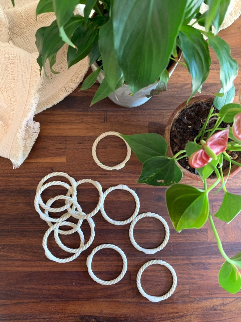 Cream Vintage Ribbed Decorative Shower Curtain Rings