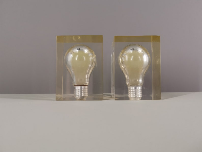2 inclusions Phosphorescent bulb by Pierre Giraudon / 70s / image 0