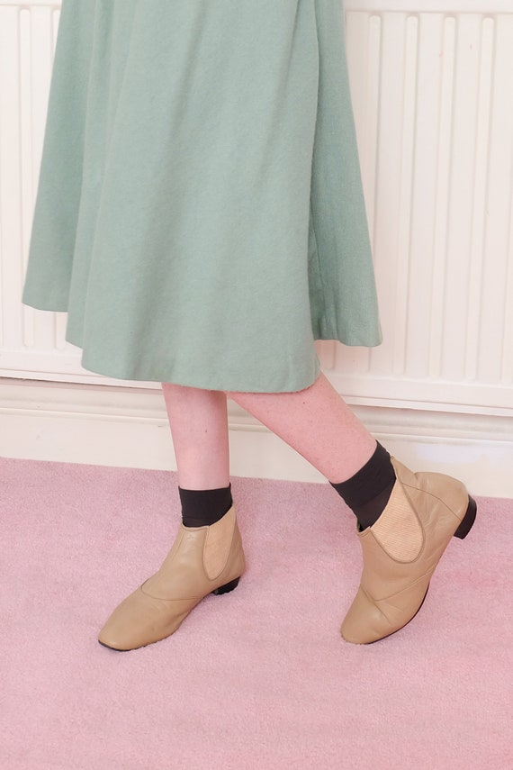 Vintage 60s Beige Leather Chelsea Boots