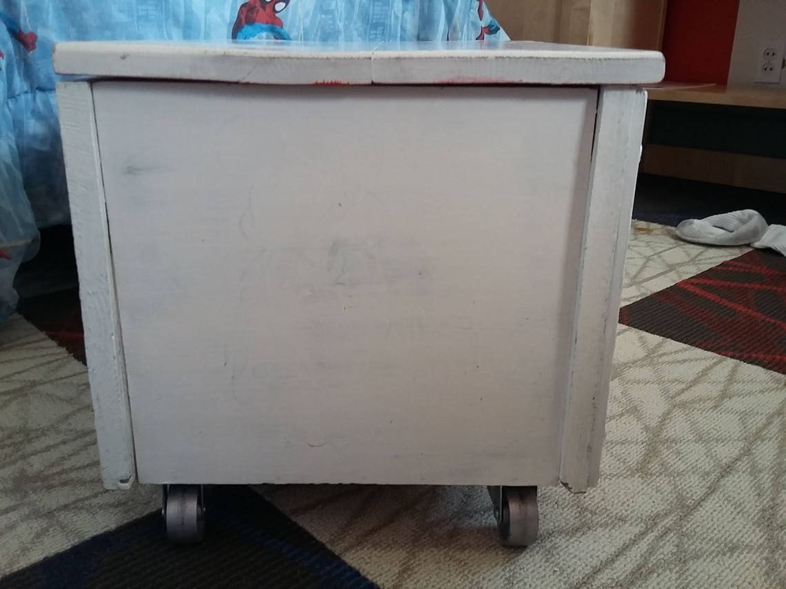 Vintage 1960's Toy Chest