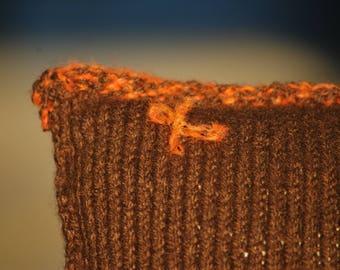 Palaphe | knitted cushion