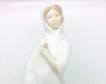 "Vintage Spanish Porcelain Figurine Lady with Flower Marco Giner Figure 11"" 29cm"