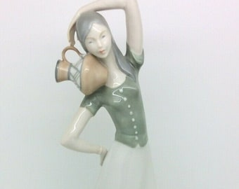 """Spanish Porcelain Figurine Water Carrier Girl with Jug 11.5"""" 29cm"""