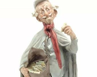 "Capodimonte Giuseppe Cappe Italy Postman Porcelain Figurine Postman Mail Man 7"""