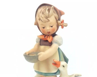 Hummel Goebel Figurine Be Patient Entenmütterchen Duck Mother Porcelain 197/I