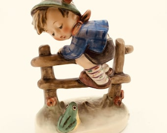 "Hummel Goebel TMK6 201 2/0 Porcelain Figurine Boy Frog Retreat to Safety 4"" 10cm"