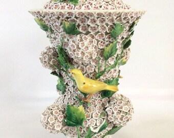 Meissen Schneeballen Vase Snowballs Vase with Canaries 19th century