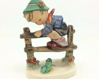 Hummel Goebel Porcelain Figurine Retreat to Safety Boy on Fence Frog TMK4 201