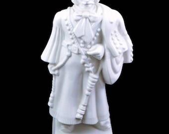 Herend Porcelain Hungarian man in folk costume Magyar Betyár Herendi Porcelán