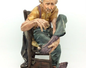 """Capodimonte Italian Porcelain Figure Old Man Darning Sewing His Sock Vintage 10"""""""