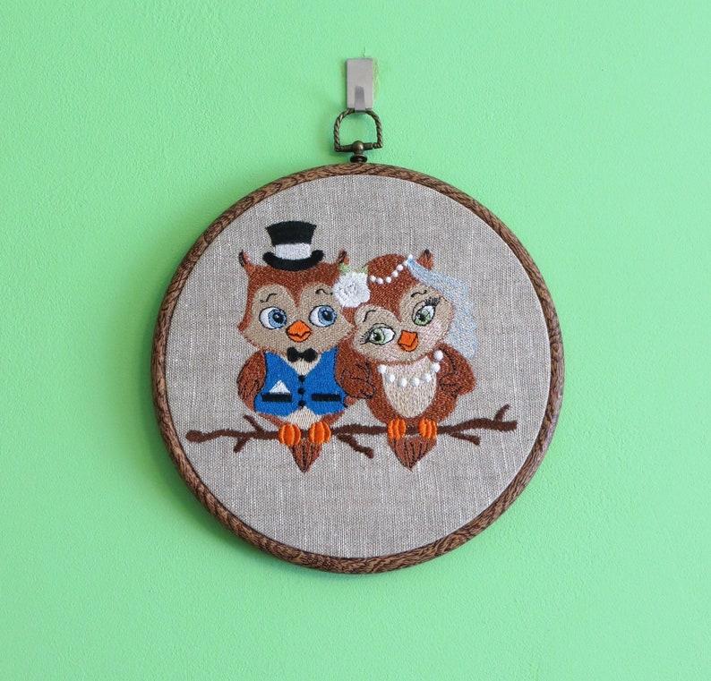Funny wedding gift Mr /& Mrs Owl Wedding Decor Funny wedding decor Wedding embroidery Bride and groom Wedding hoop Funny gift for couple