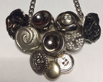 Necklace with buttons