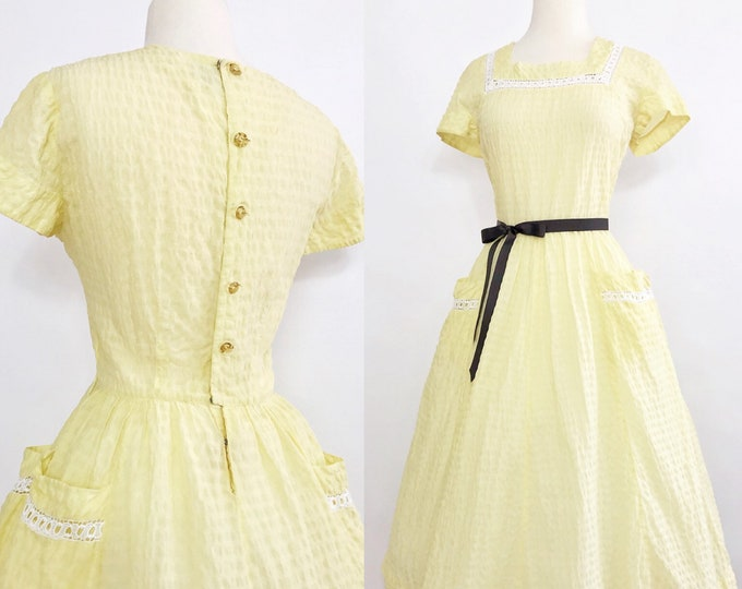 1940s Lace-Trimmed  Cotton-Seersucker Dress
