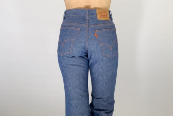 Vintage Levi's embroidered bell bottoms size 25/26
