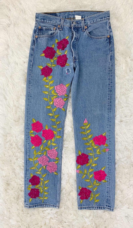 Vintage Levi\u2019s embroidered 501 28x31